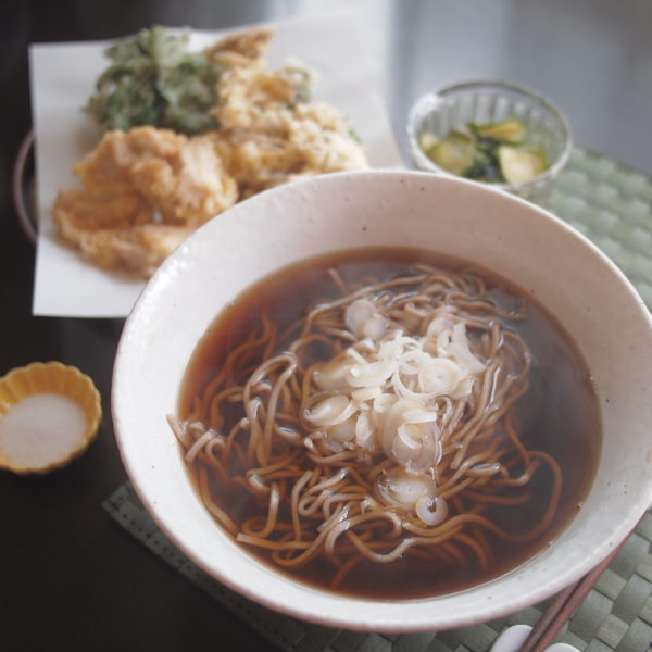 天ぷら蕎麦の朝ごはん