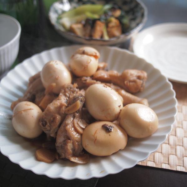ゆで卵と鶏手羽元の甘辛煮