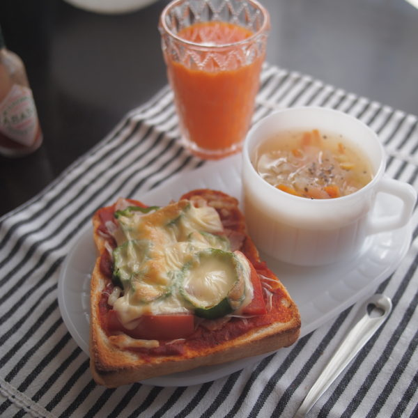 ピザトースト 朝ごはん